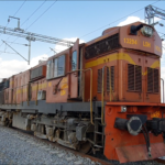 भारतीय रेल कभी युद्धकाल में भी नहीं रुकी कृपया परिस्थितियों की गम्भीरता समझिए घर में ही रहिये
